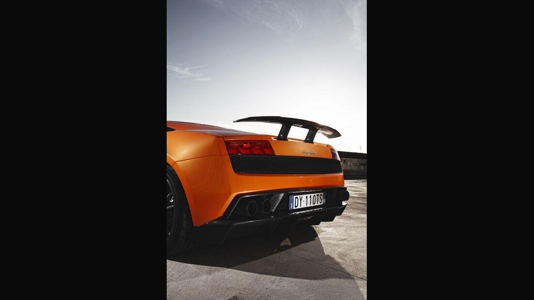 Heck mit Kohlefaser-Heckspoiler des Lamborghini Gallardo LP 570-4 Superleggera