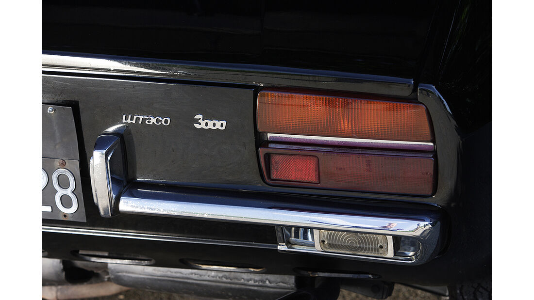 Heckleuchte und Stoßstangenhorn des Lamborghini Urraco P 300