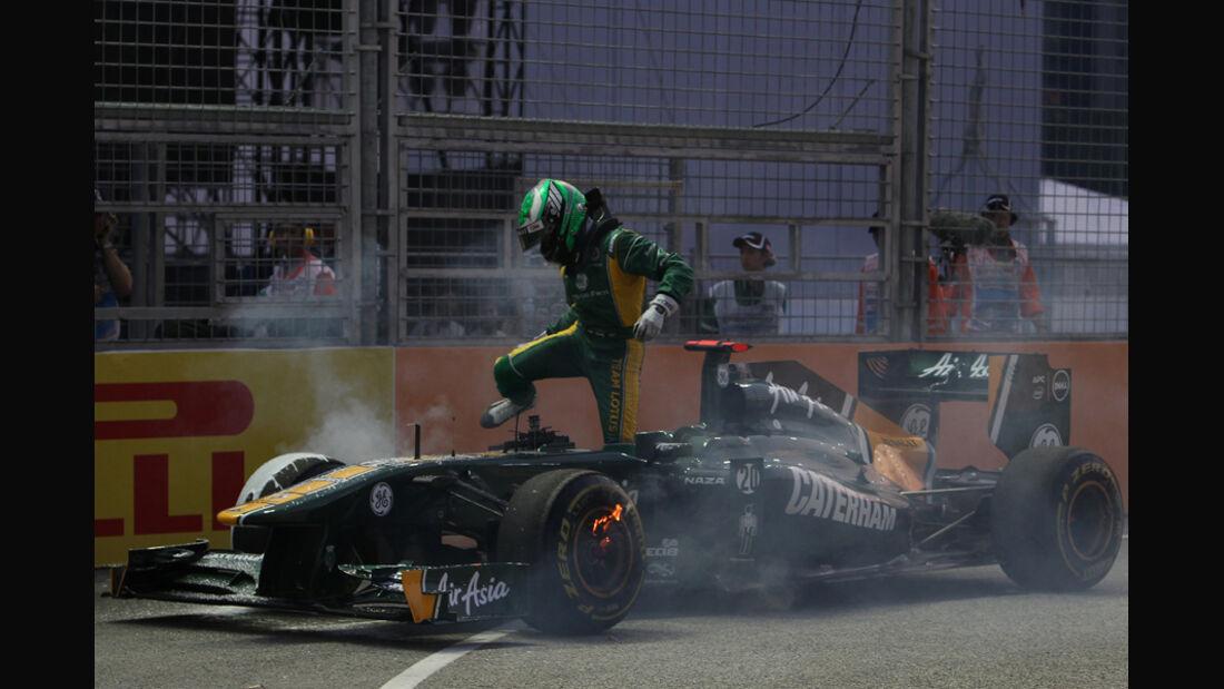 Heikki Kovalainen GP Singapur Crashs 2011