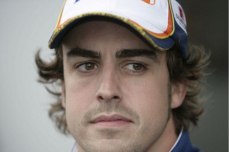 Helm von Fernando Alonso