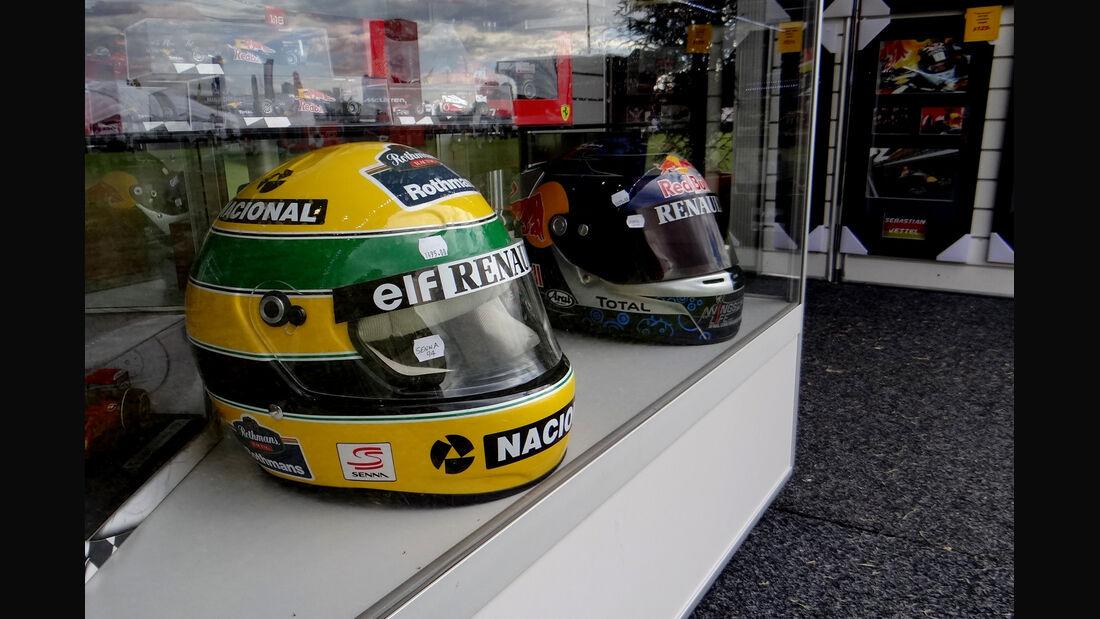 Helme von Vettel & Senna - GP Australien - Melbourne - 15. März 2012