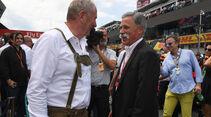 Helmut Marko - Chase Carey - GP Österreich 2017 - Spielberg - Rennen