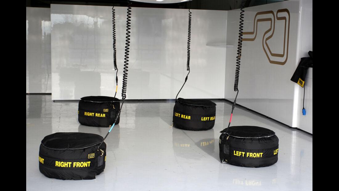 Hispania HRT Box Test Barcelona 2012