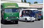Historische Renntransporter von Bentley und Bugatti