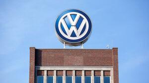 Hochhaus Logo Werk Wolfsburg Verwaltung