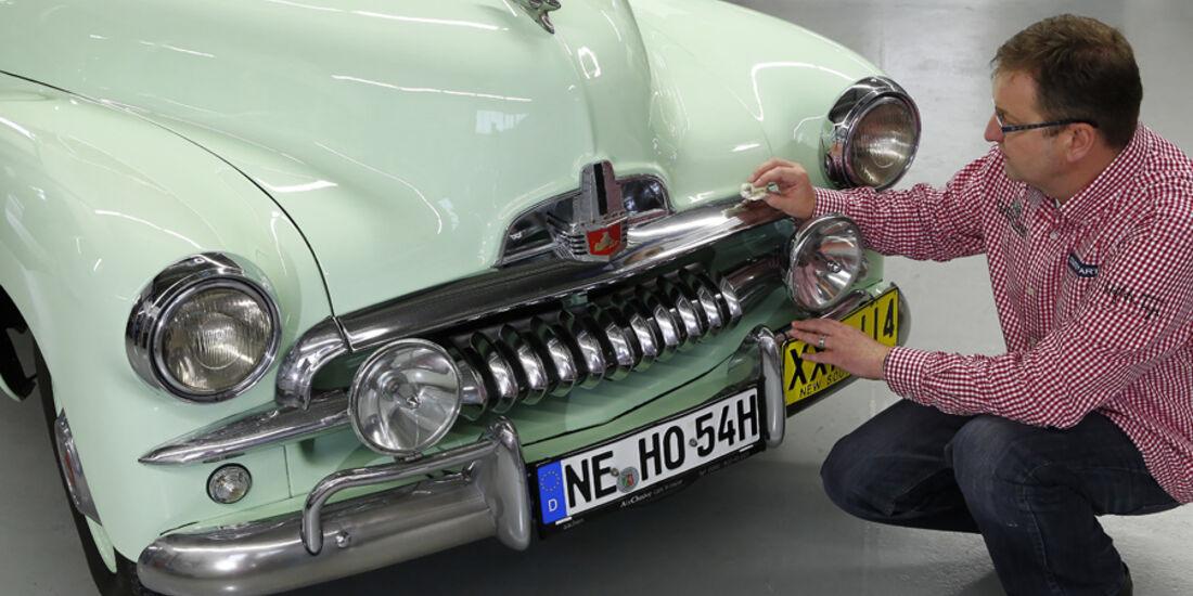 Holden FJ Special Sedan, Front