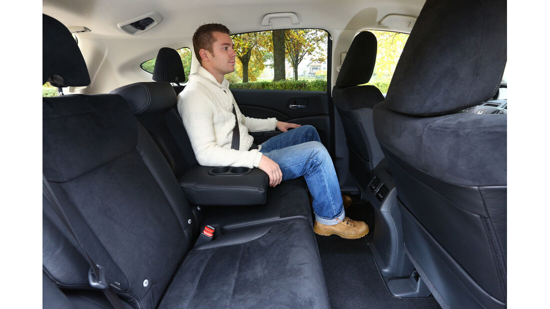 Honda CR-V 2.2 4WD Lifestyle, Rückbank, Beinfreiheit