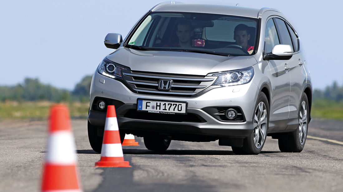 Honda CR-V 2.2 D 4WD Lifestyle, Frontansicht, Slalom