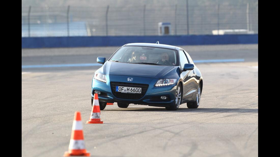 Honda CR-Z Sport, Frontansicht, Slalom