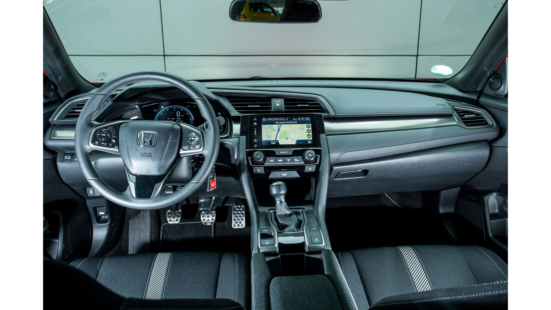 Honda Civic 1.0 VTEC Turbo, Cockpit