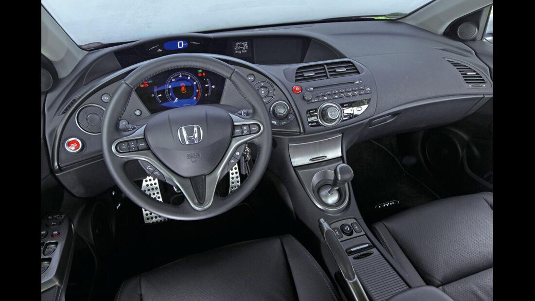 Honda Civic 1.8, Cockpit, Lenkrad