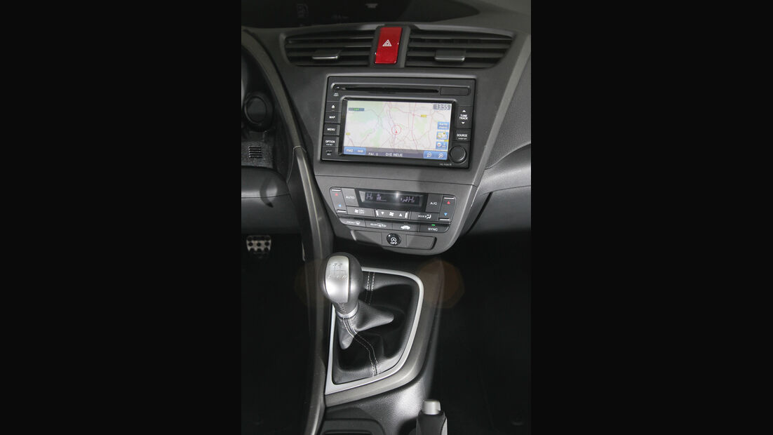 Honda Civic 2.2i-DTEC, Mittelkonsole