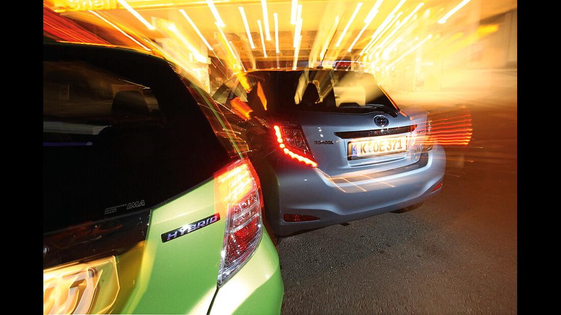 Honda Jazz 1.3 DSi i-VTEC IMA Exclusive, Toyota Yaris 1.5 VVT-i Hybrid Life