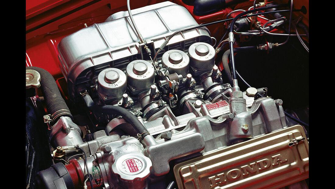 Honda S 800, Motor