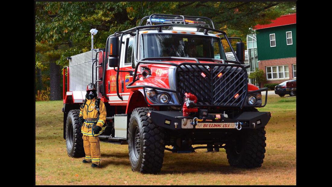 Howe & Howe Bulldog 4x4 Fire Truck Feuerwehrfahrzeug