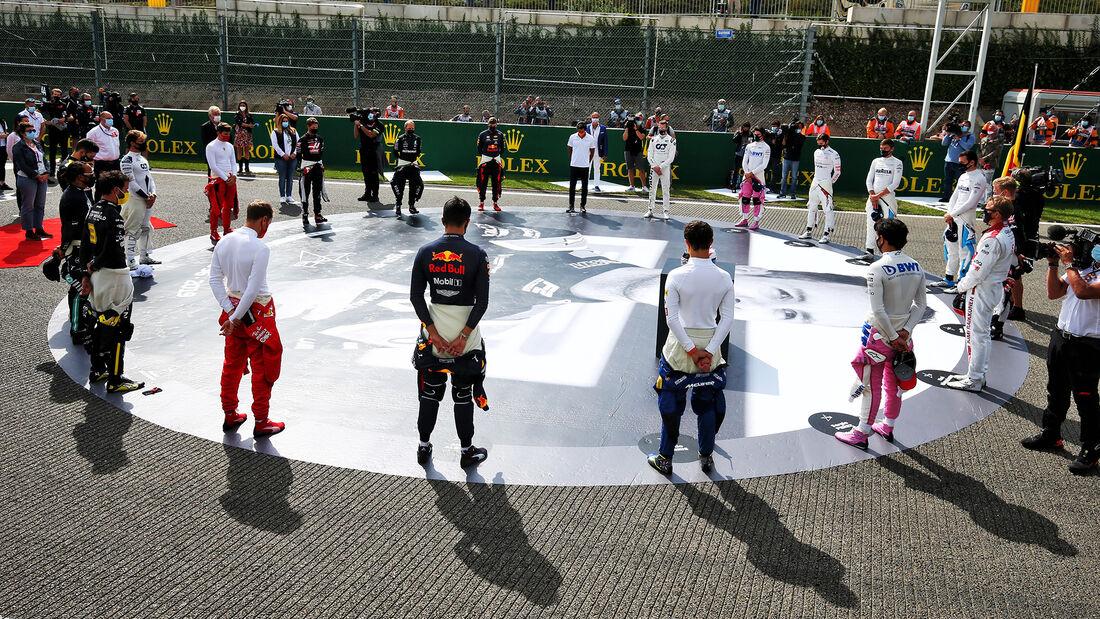 [Imagen: Hubert-Zeremonie-GP-Belgien-2020-169Gall...718697.jpg]