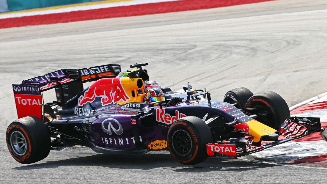 Hülkenberg vs. Kvyat - GP Malaysia 2015