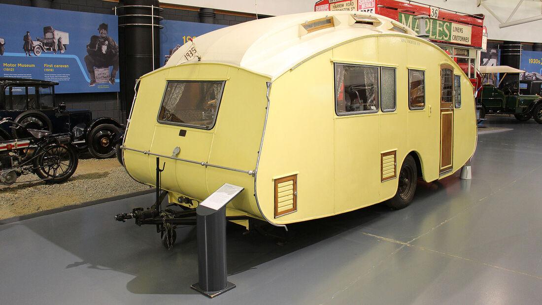 Hutchings Royal Winchester Caravan im British Motor Museum