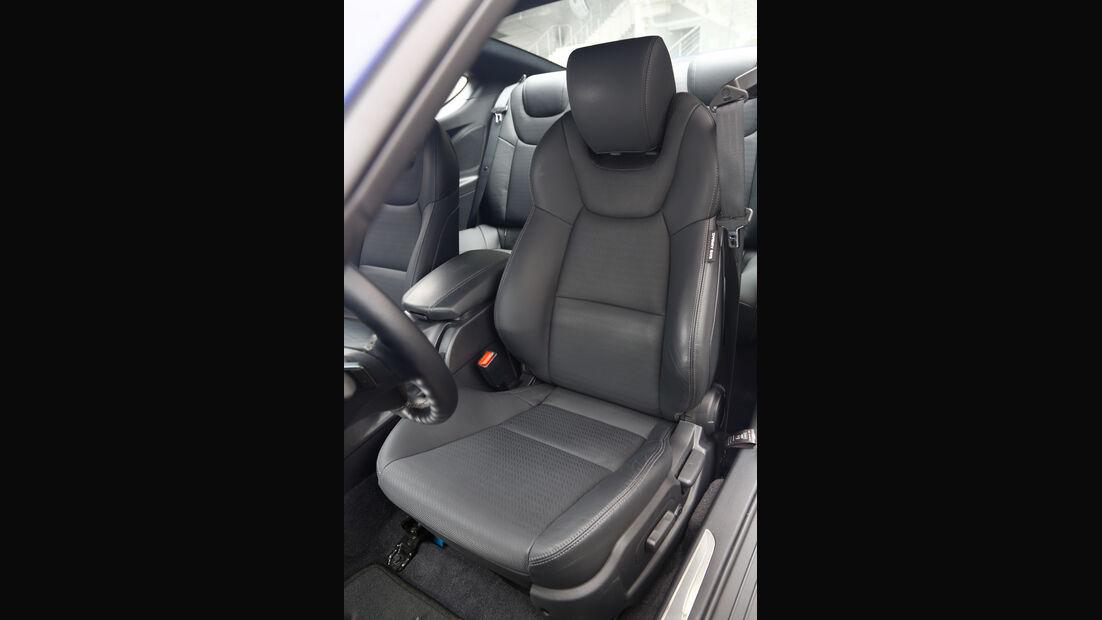 Hyundai Genesis Coupé, Fahrersitz