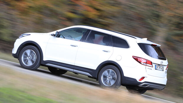 Hyundai Grand Santa Fe 2.2 CRDi Seitenansicht