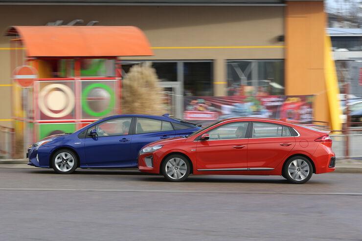 Hyundai Ioniq Hybrid Premium, Toyota Prius Comfort, Exterieur
