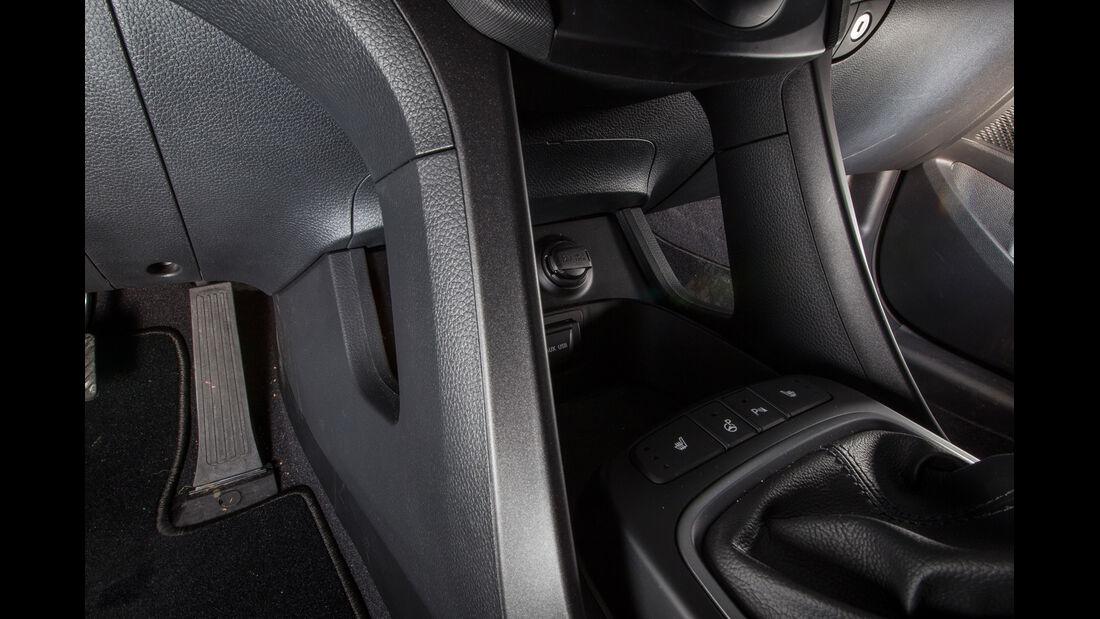 Hyundai Santa Fe, Bedienelemente, Fußraum