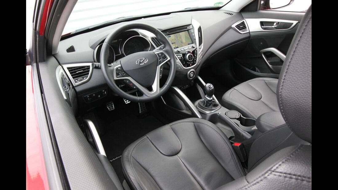 Hyundai Veloster Blue 1.6, Cockpit, Lenkrad