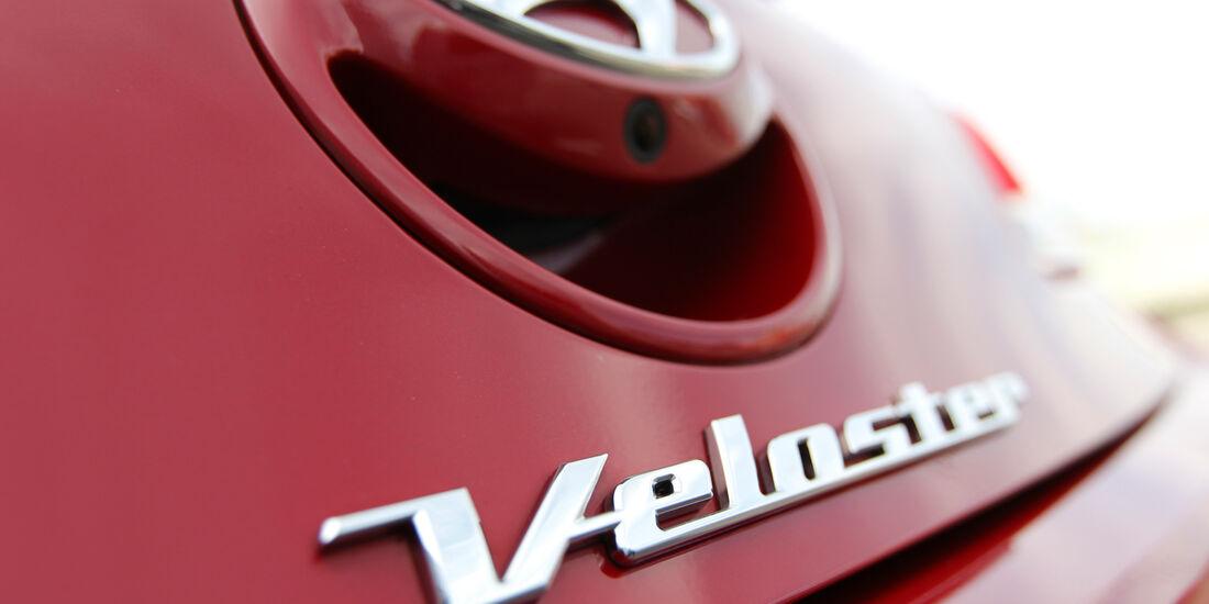 Hyundai Veloster Blue 1.6, Schriftzug, Typenbezeichnung