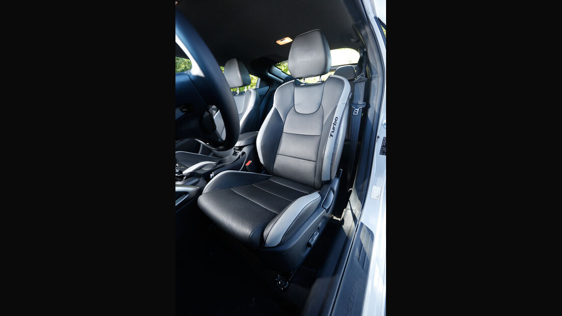 Hyundai Veloster Turbo, Fahrersitz