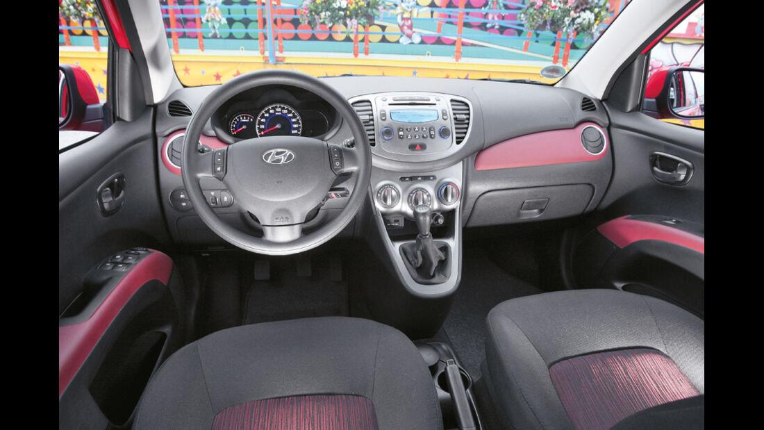 Hyundai i10 1.1 Style, Cockpit