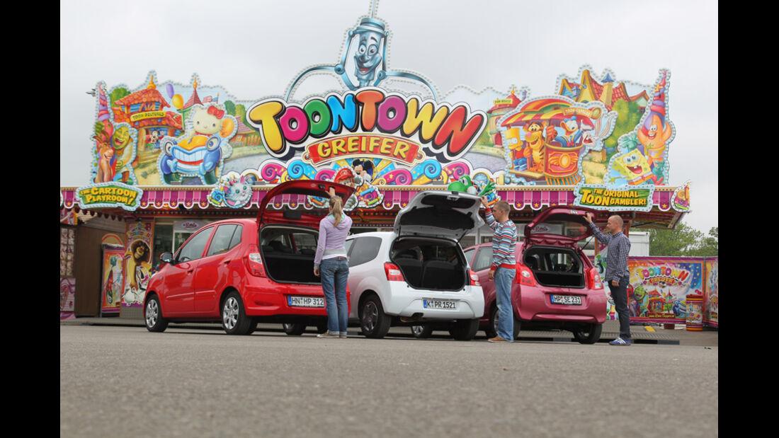 Hyundai i10 1.1 Style, Reault Twingo 1.2 16V Night & Day, Suzuki Alto 1.0 Club, Karusell, Rôckansicht