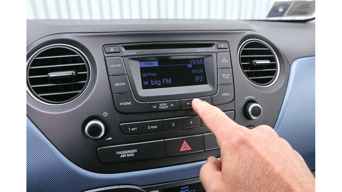 Hyundai i10 Blue 1.0, Infotainment, Mittelkonsole