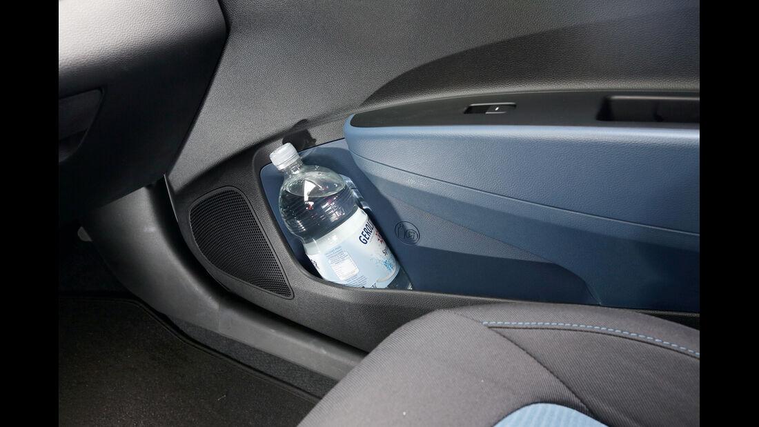 Hyundai i10 blue 1.0 Trend, Ablagefach