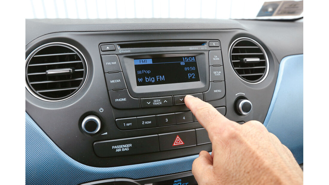 Hyundai i10 blue 1.0 Trend, Infotainment