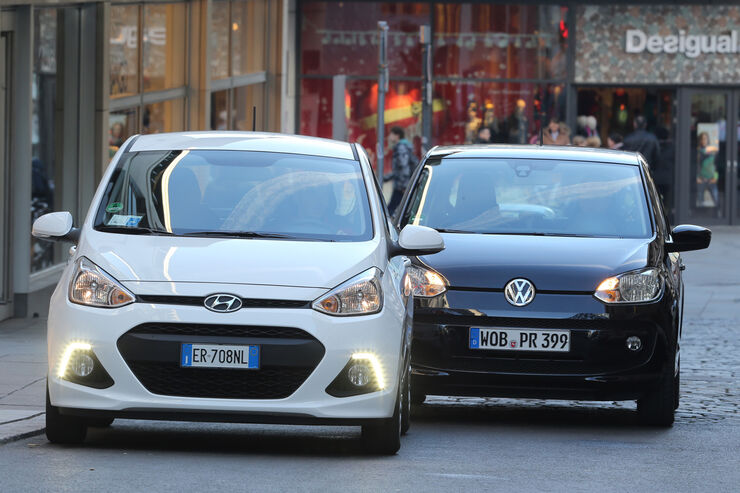 Hyundai i10 blue 1.0 Trend, VW 1.0 high up, Frontansicht