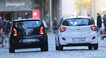 Hyundai i10 blue 1.0 Trend, VW 1.0 high up, Heckansicht
