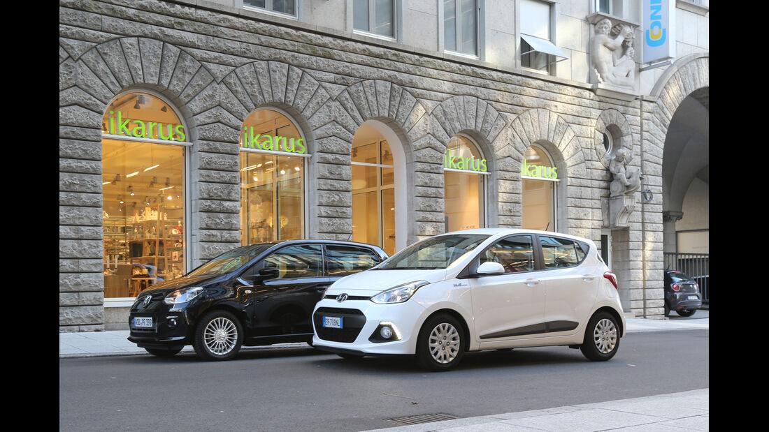 Hyundai i10 blue 1.0 Trend, VW 1.0 high up, Seitenansicht