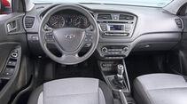 Hyundai i20 1.2, Cockpit