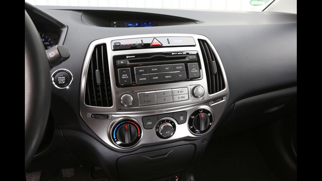 Hyundai i20 1.2, Mittelkonsole