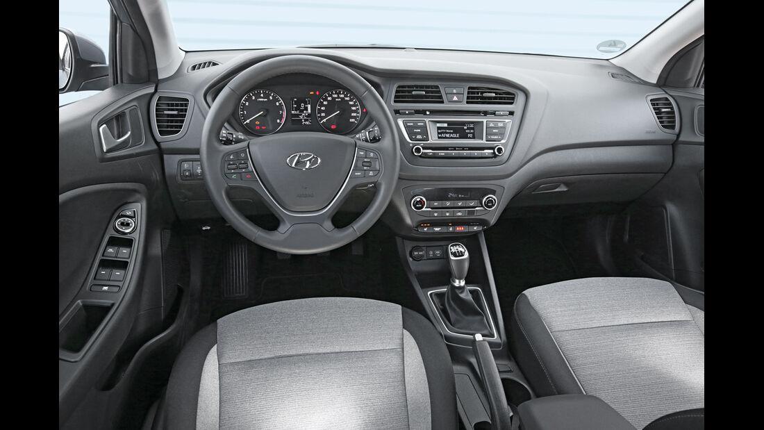 Hyundai i20 1.4, Cockpit