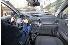 Hyundai i20 Blue 1.1 CRDi Trend, Cockpit, Fahrer