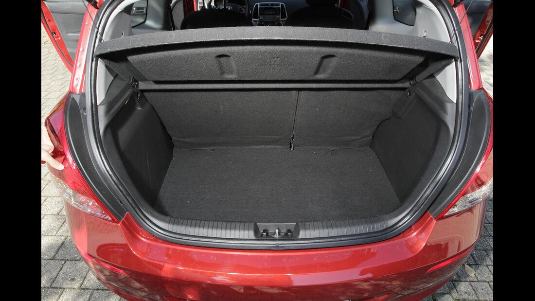 Hyundai i20 Blue 1.1 CRDi Trend, Kofferraum
