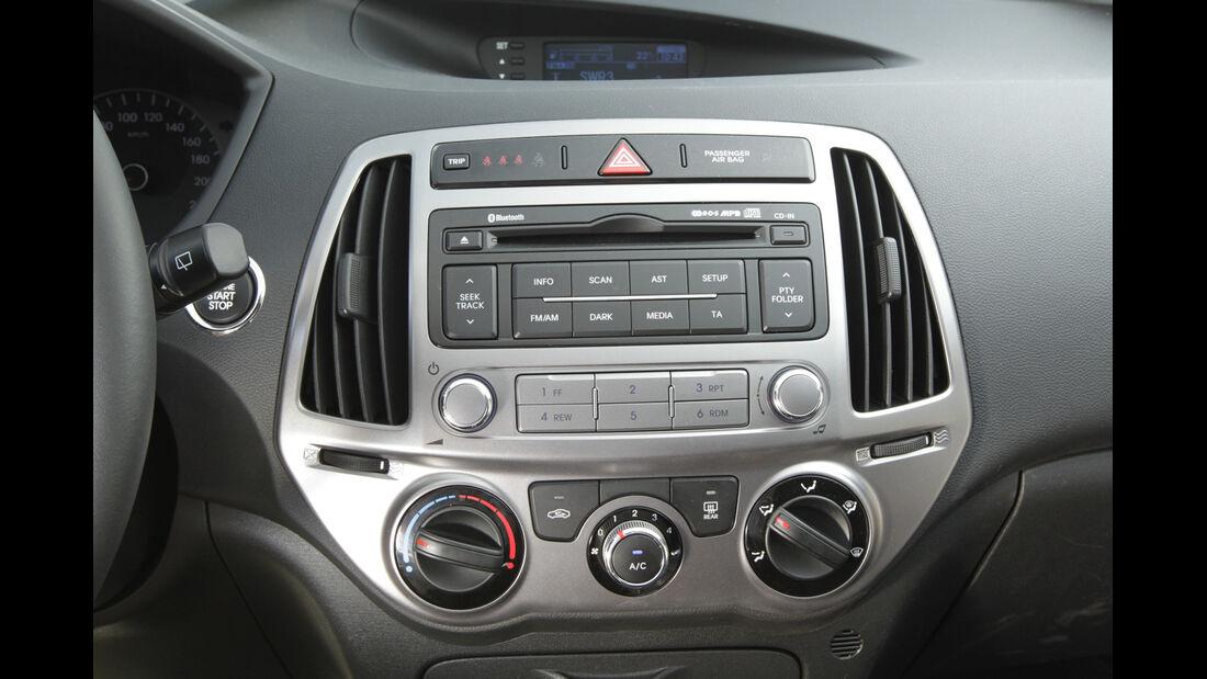 Hyundai i20 Blue 1.1 CRDi Trend, Mittelkonsole