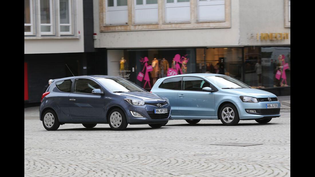 Hyundai i20 Blue 1.1 CRDi Trend, VW Polo 1.2 TDI Blue Motion 87G, Seitenansicht