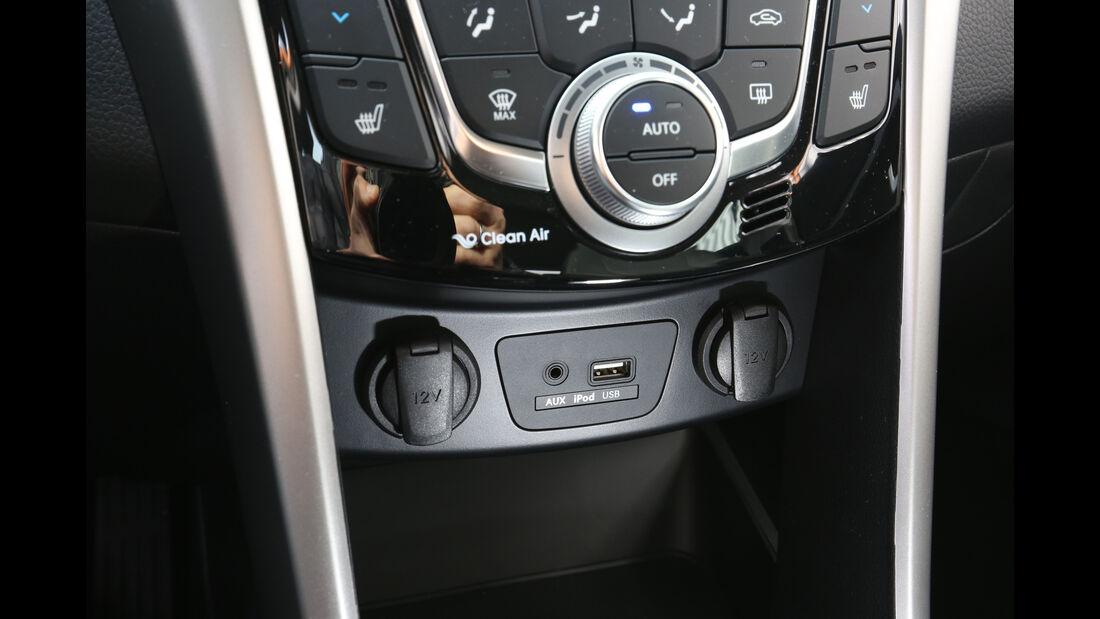 Hyundai i30 1.4, Mitteljkonsole