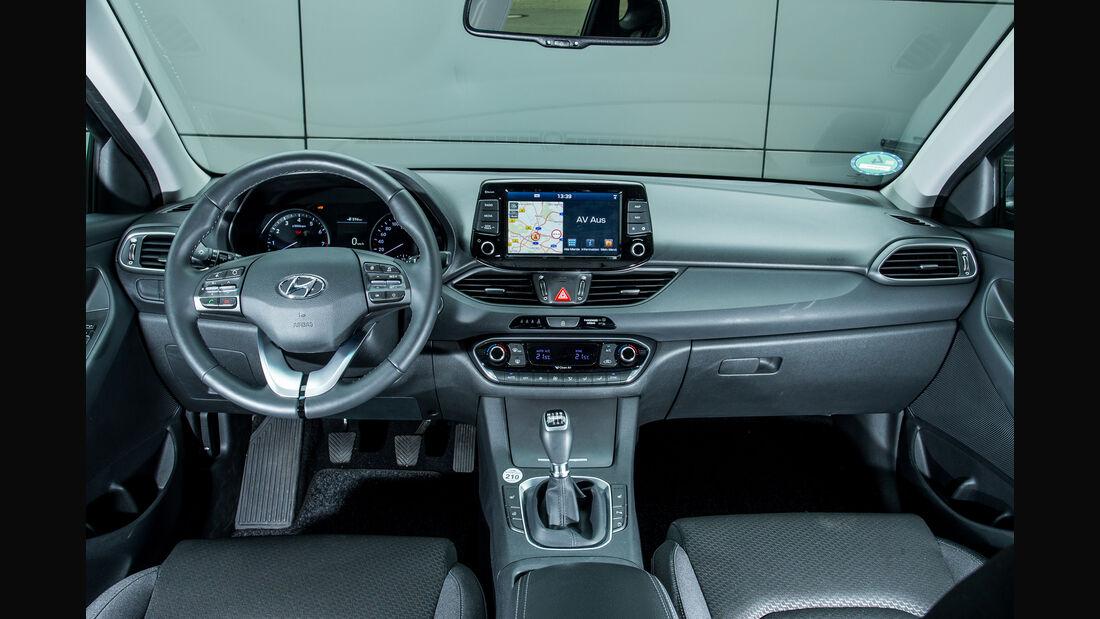 Hyundai i30 1.4 T-GDI, Cockpit