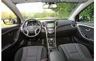 Hyundai i30 1.4 Trend, Cockpit