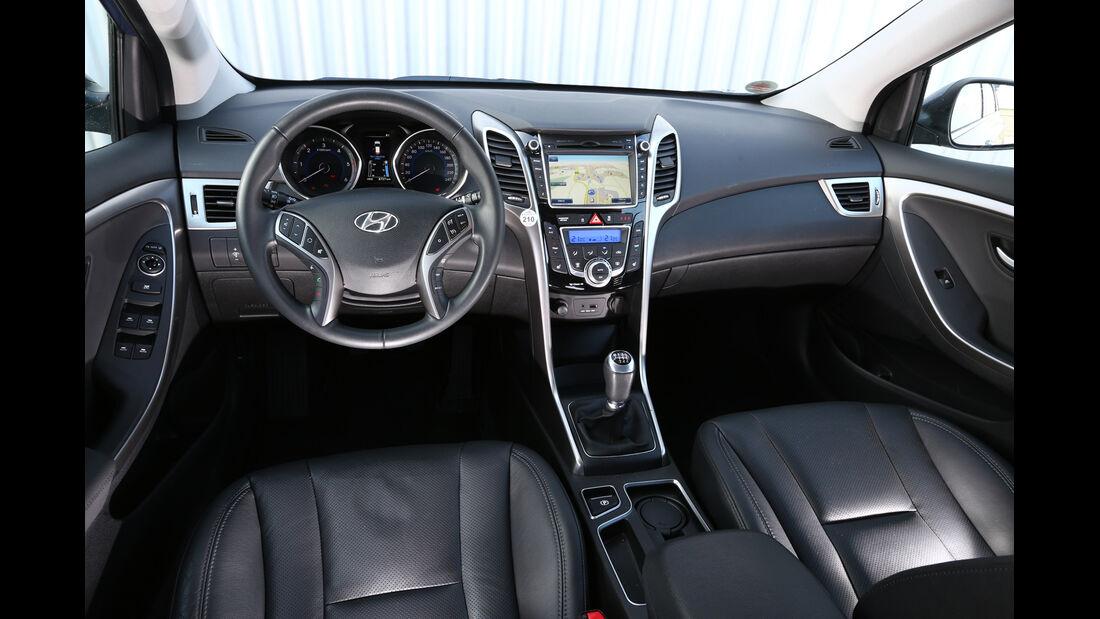 Hyundai i30 1.6 CRDI, Cockpit, Lenkrad