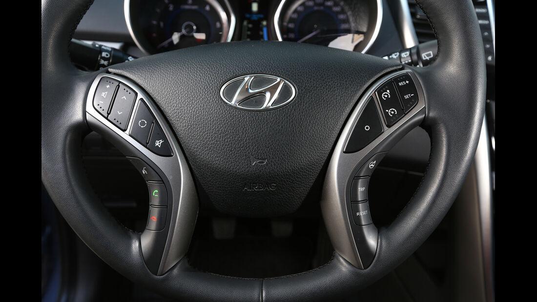 Hyundai i30 1.6 CRDI, Lenkrad, Bedienelemente