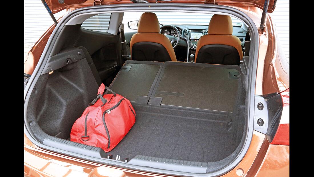 Hyundai i30 1.6 CRDi Coupé, Ladefläche